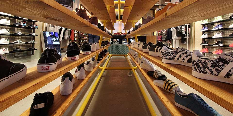 interior mostrador sneakers dooers verno